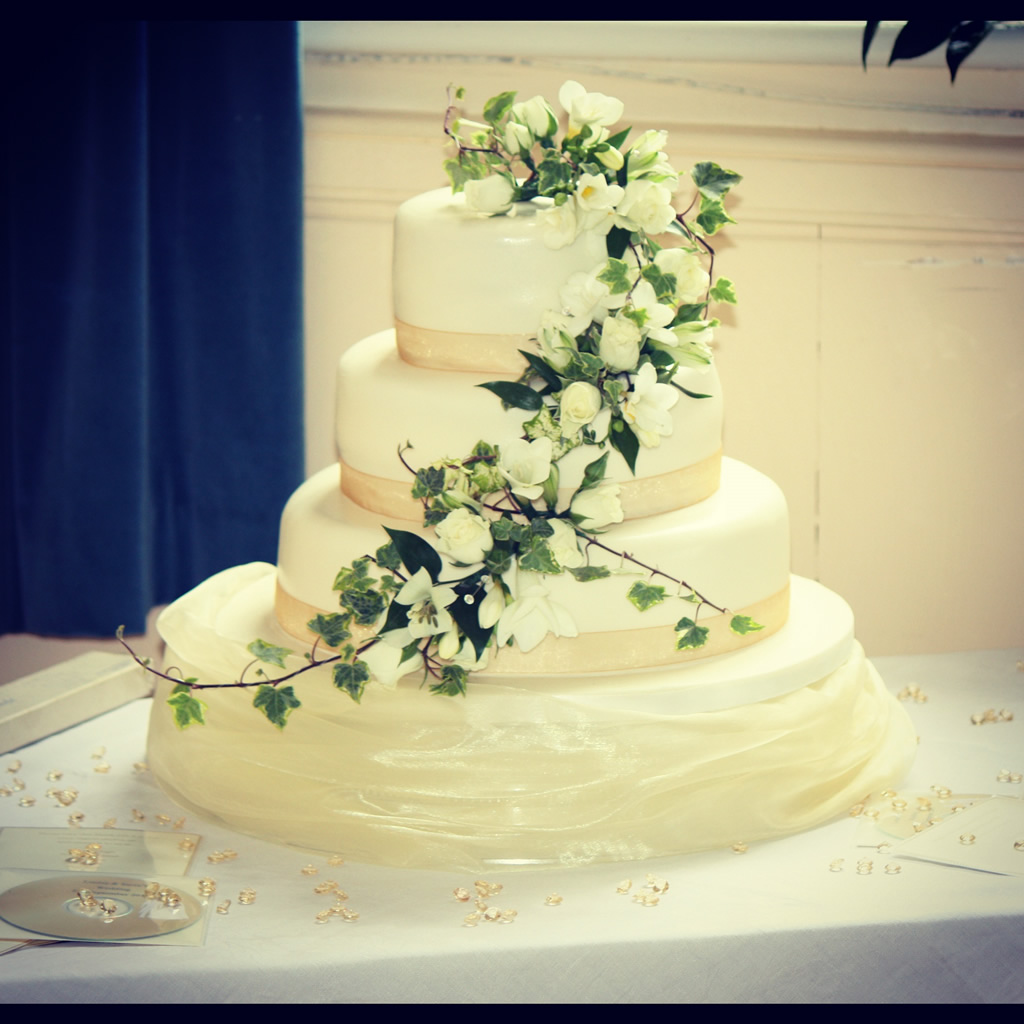 Incredible Wedding Cakes 1024 x 1024 · 193 kB · jpeg