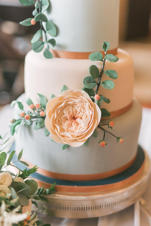 david austin rose wedding cake 2